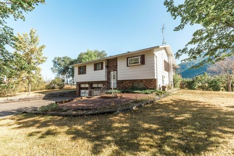875 Kelley Rd, Columbia Falls, MT 59912