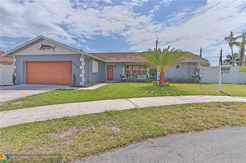 888 Se 13th St, Deerfield Beach, FL 33441
