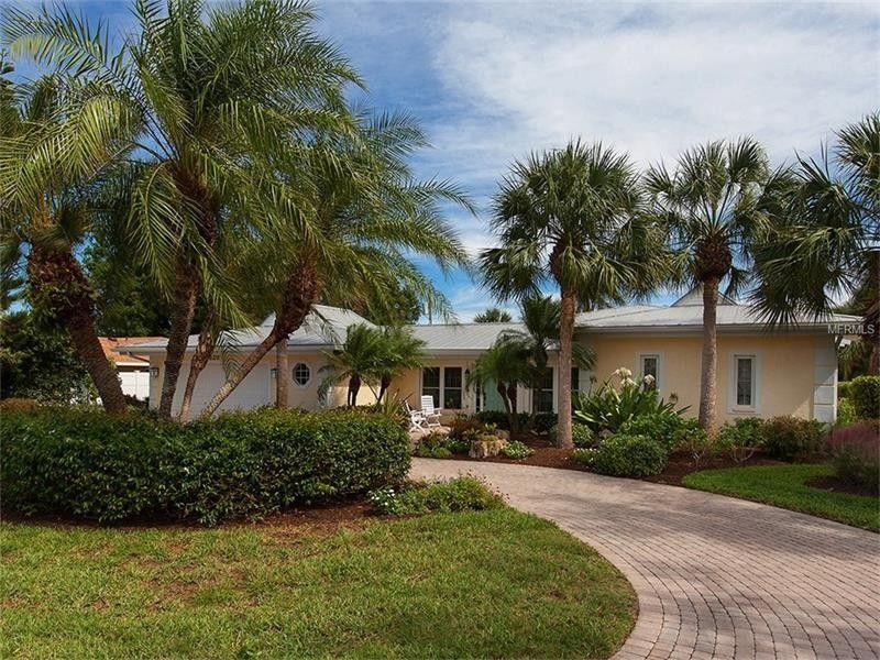 320 Bayshore Dr, Venice, FL 34285