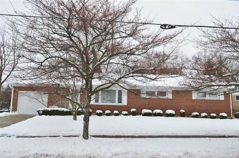 251 Floral Ave, Springfield, OH 45503