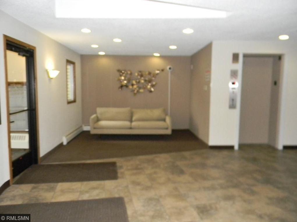 10211 Cedar Lake Rd Apt 105, Minnetonka, MN 55305