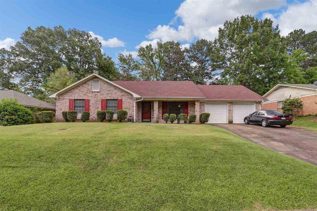 1208 Cliffdale Ln, Clinton, MS 39056