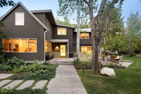 Photo of 512 N Spruce St, Aspen, CO 81611