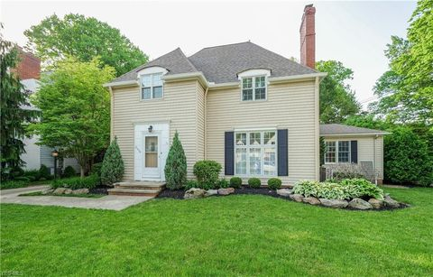 Photo of 21576 Kenwood Ave, Rocky River, OH 44116