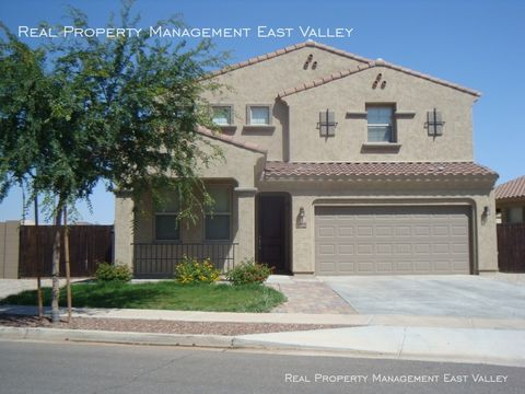 Photo of 1459 S Buckaroo Trl, Gilbert, AZ 85296
