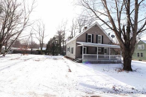 Photo of 124 Paradise Rd, Woodstock, NH 03262