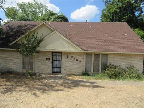 Photo of 7333 Indian Ridge Trl, Dallas, TX 75232