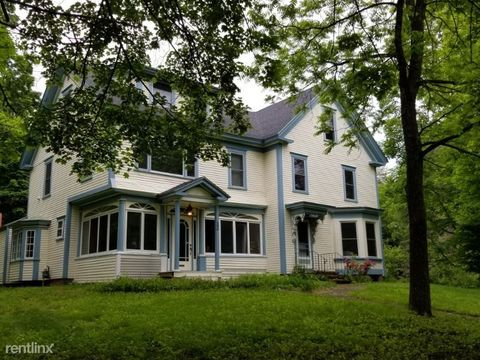 Photo of 150 View St, Franklin, NH 03235