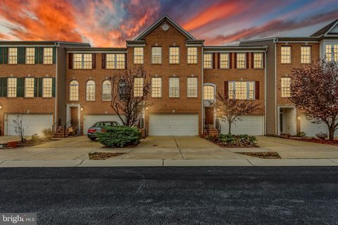 Photo of 3406 Barnhouse Dr, Edgewater, MD 21037