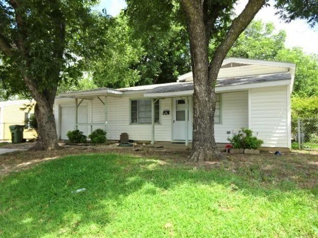 1807 E Mitchell St Arlington, TX 76010