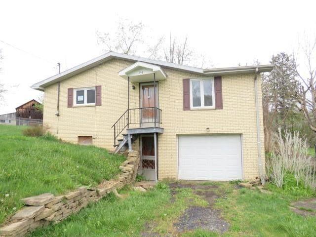 751 Lippencott Rd Waynesburg, PA 15370