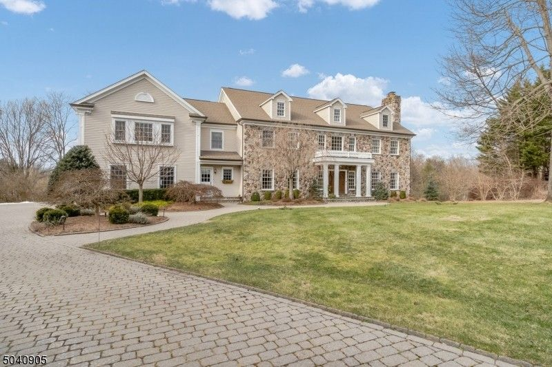 9 Whispering Ivy Way Mendham, NJ 07945