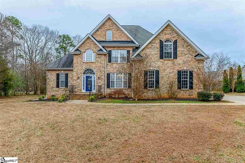 Photo of 107 Spring Meadow Dr, Simpsonville, SC 29681