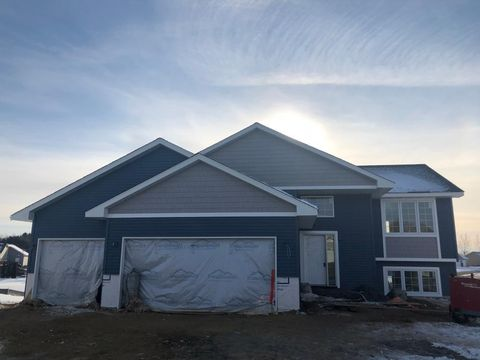 Photo of 603 Kreekview Dr, Osceola, WI 54020