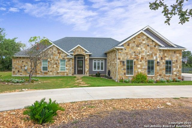 117 Riley Wood Blanco, TX 78606