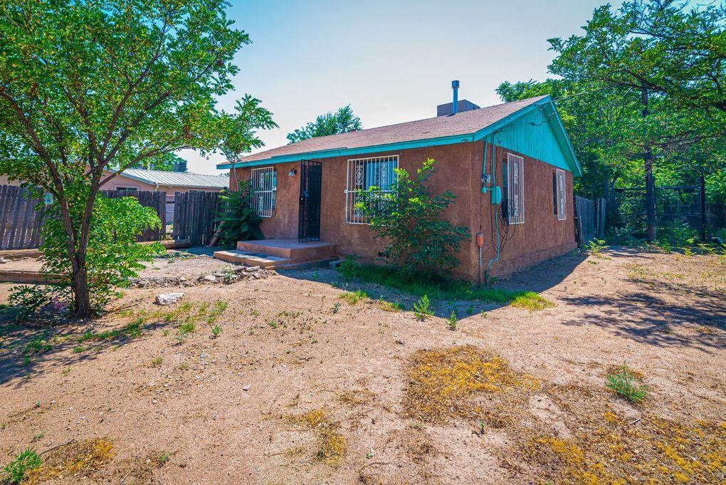 2703 Val Verde Pl SW Albuquerque, NM 87105