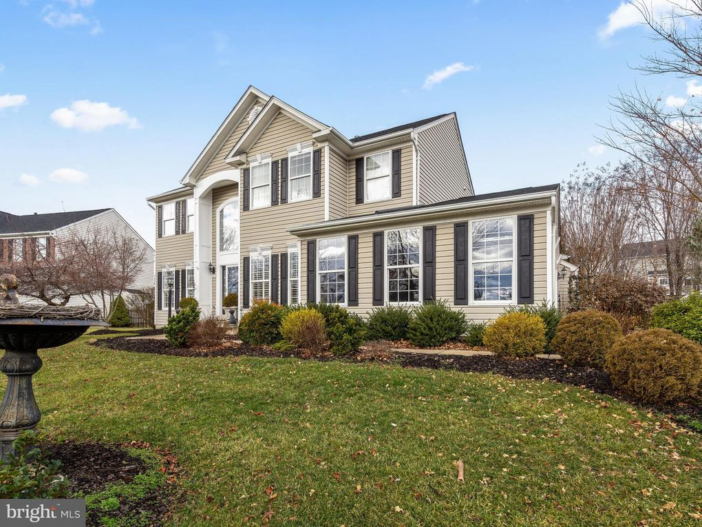 717 Sunflower Ct Purcellville, VA 20132