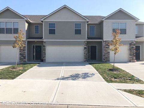 Photo of 1427 Ne Mary Ct, Grain Valley, MO 64029