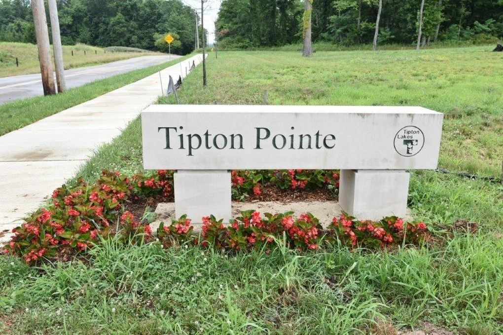 Tipton Pointe Lot 11 Columbus, IN 47201