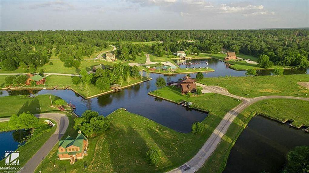 58 Wildwood Lake Dr Huntsville, TX 77340