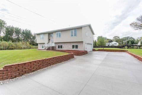 Photo of 181 S Oakwood Rd, Oshkosh, WI 54904