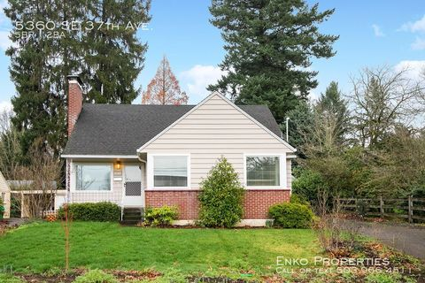 Photo of 5360 Se 37th Ave, Portland, OR 97202