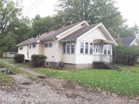 Photo of 1347 Middlebury St, Elkhart, IN 46516