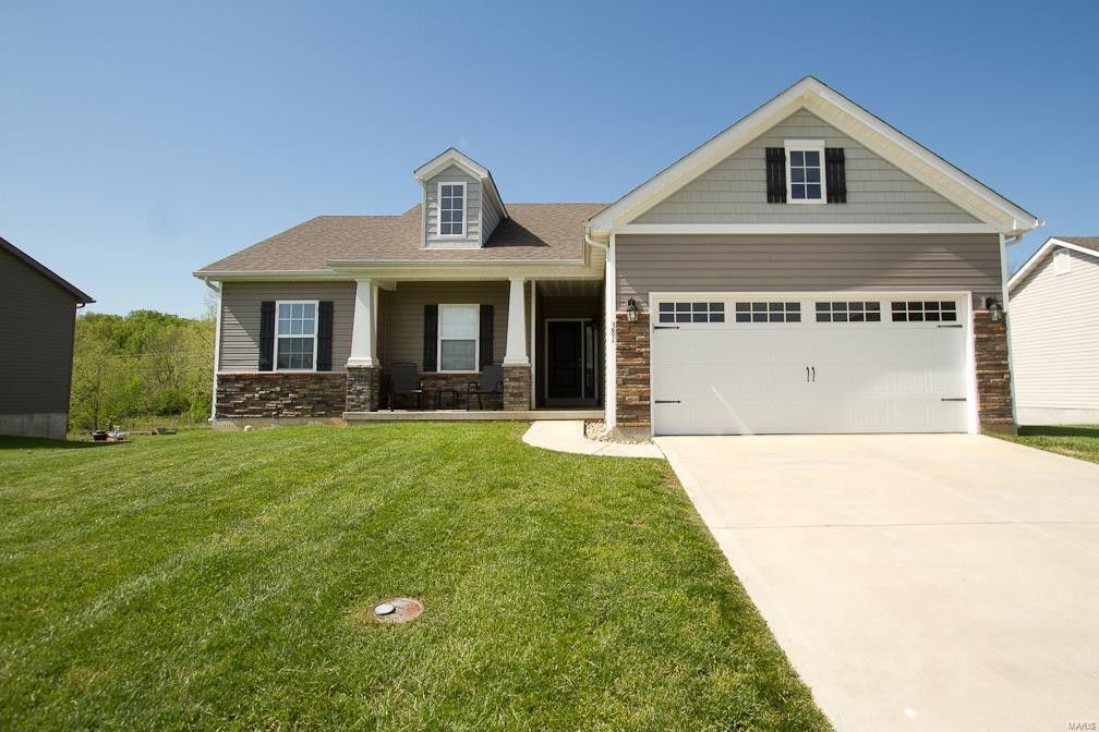 381 Spring Valley Dr Winfield, MO 63389
