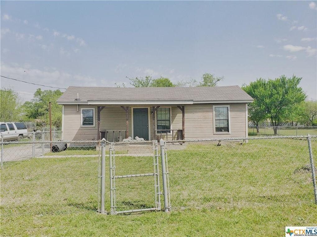 1411 Waco St Gatesville, TX 76528