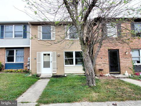 Photo of 138 Sandalwood Ct, Frederick, MD 21701