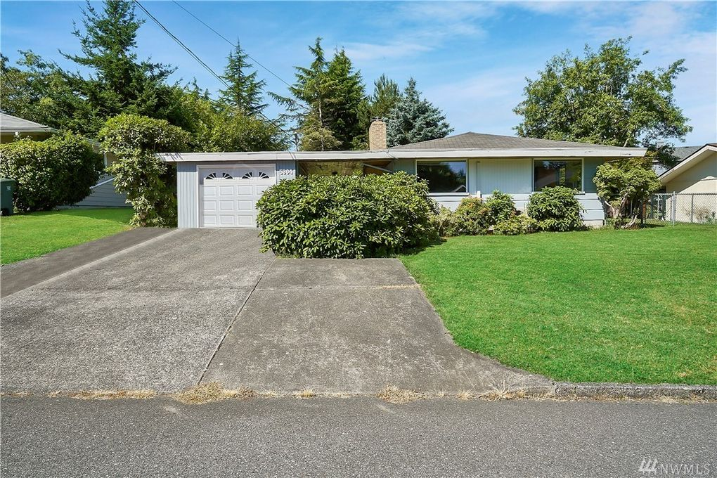 5304 W Highland Rd Everett, WA 98203