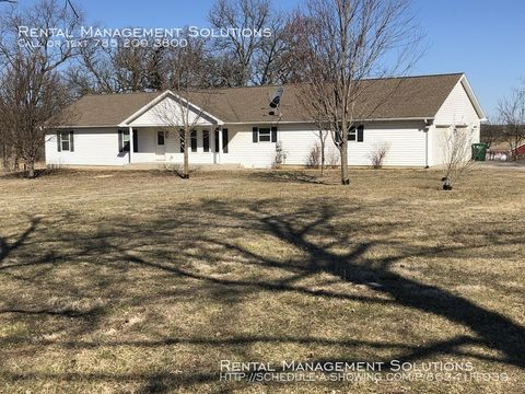 Photo of 10263 Goldfinch Rd, Topeka, KS 66610