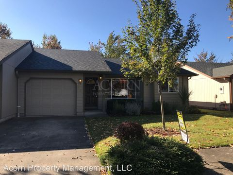 Photo of 1032 Colony Pond Dr, Eugene, OR 97401