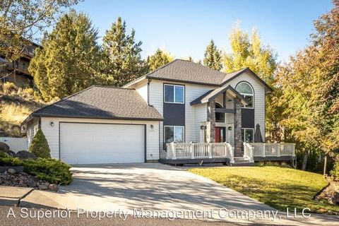Photo of 2479 Nw Todds Crest Dr, Bend, OR 97703