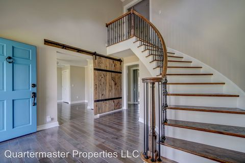 Photo of 28 Bateswood Dr, Greer, SC 29651