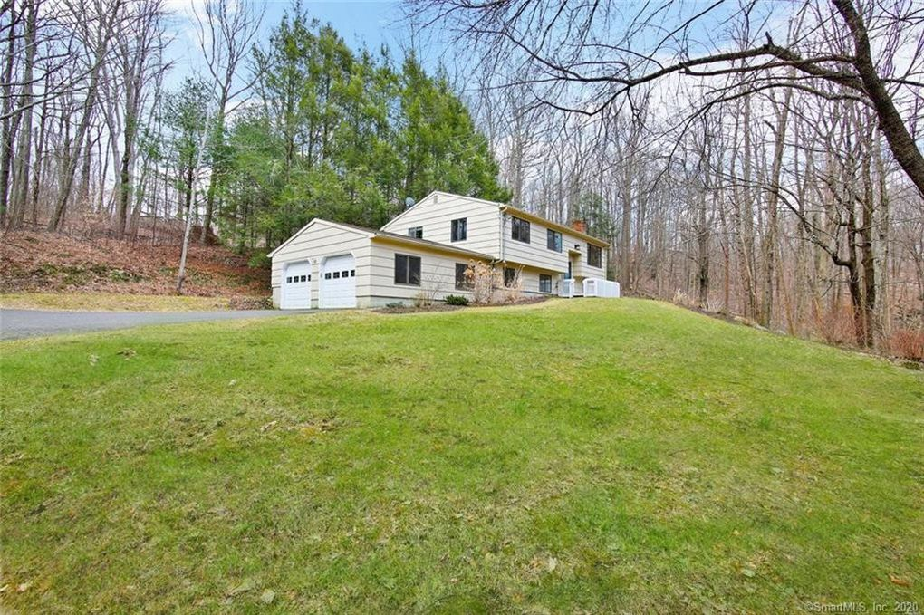 35 Governors Hill Rd Oxford, CT 06478