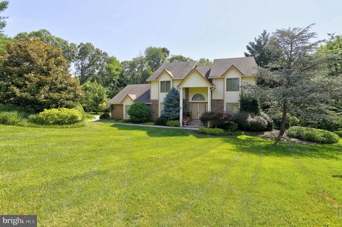 Photo of 5 Honey Spring Ct, Lutherville Timonium, MD 21093