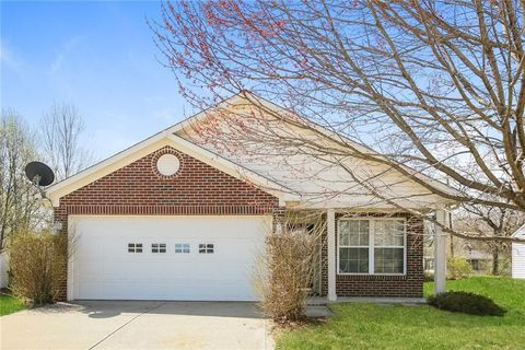 Photo of 5570 Dollar Forge Dr, Indianapolis, IN 46221
