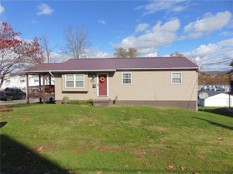 120 Beech St, Connellsville, PA 15425