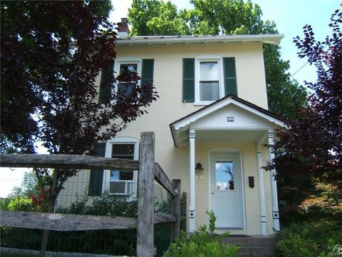 408 E State St, Coopersburg, PA 18036