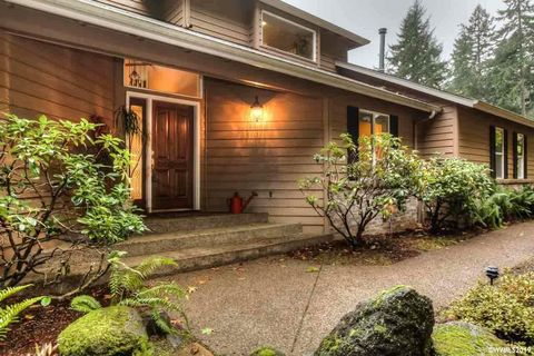 Photo of 6035 Nw Rosewood Dr, Corvallis, OR 97330