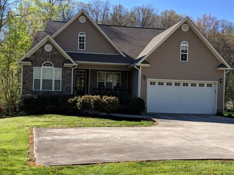 Photo of 3341 Wilson Ave, Signal Mountain, TN 37377