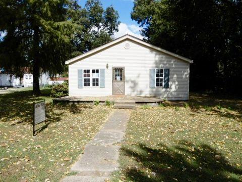 203 E 11th St, Caruthersville, MO 63830