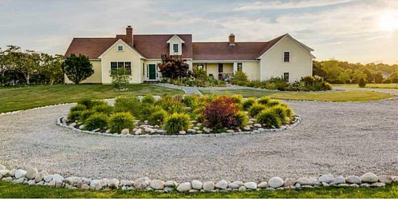 21 Friendship Farm Ln, Little Compton, RI 02837 - realtor.com®