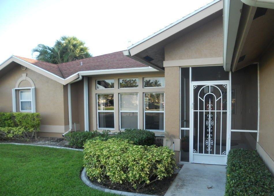 156 Queens Ln West Palm Beach, FL 33411