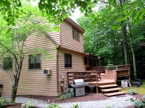 Photo of 307 Sanctuary Ln, Sandisfield, MA 01255