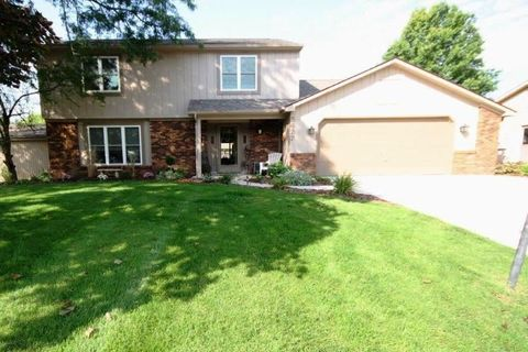 5427 Albany Ct, Fort Wayne, IN 46835