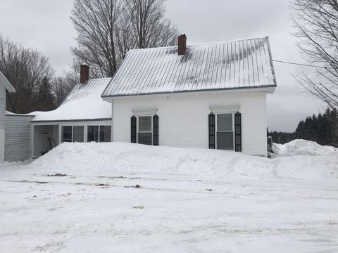 Photo of 981 Main St, Springfield, ME 04487