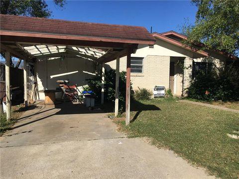 Photo of 410 W Linar St, Hebbronville, TX 78361