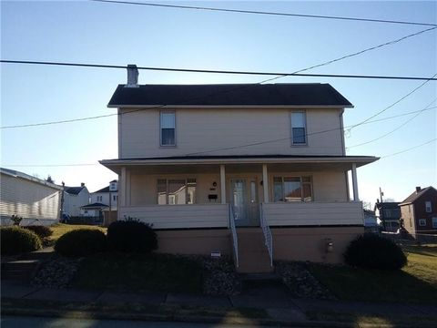 Photo of 236 N 10th St, Connellsville, PA 15425